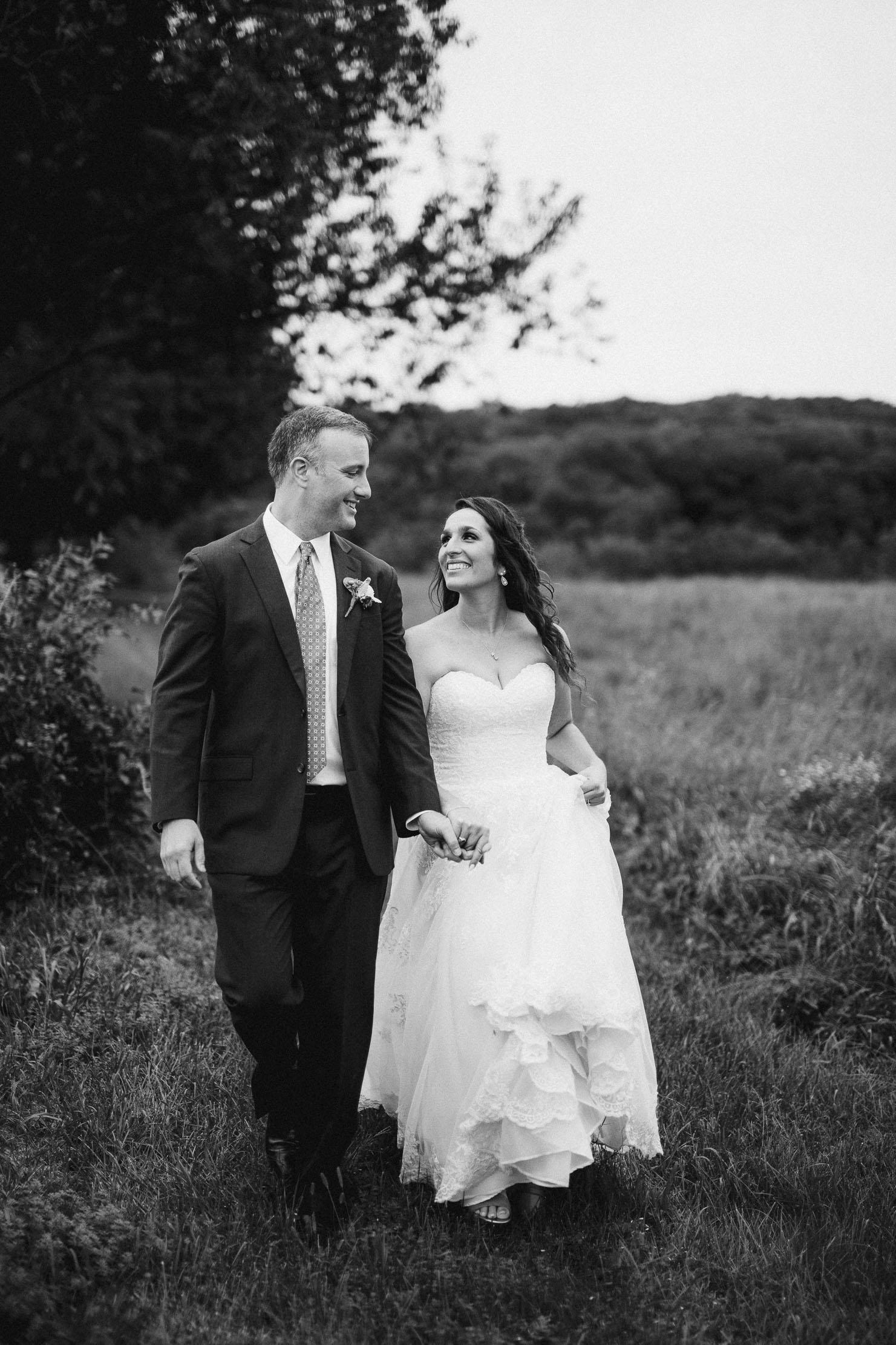 Wings-Castle-Millbrook-NY-Upstate-Wedding-Photographer-1054.jpg
