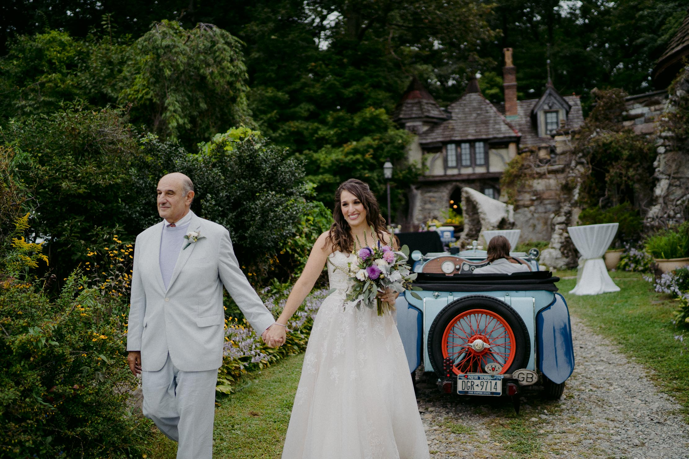 Wings-Castle-Millbrook-NY-Upstate-Wedding-Photographer-1077.jpg