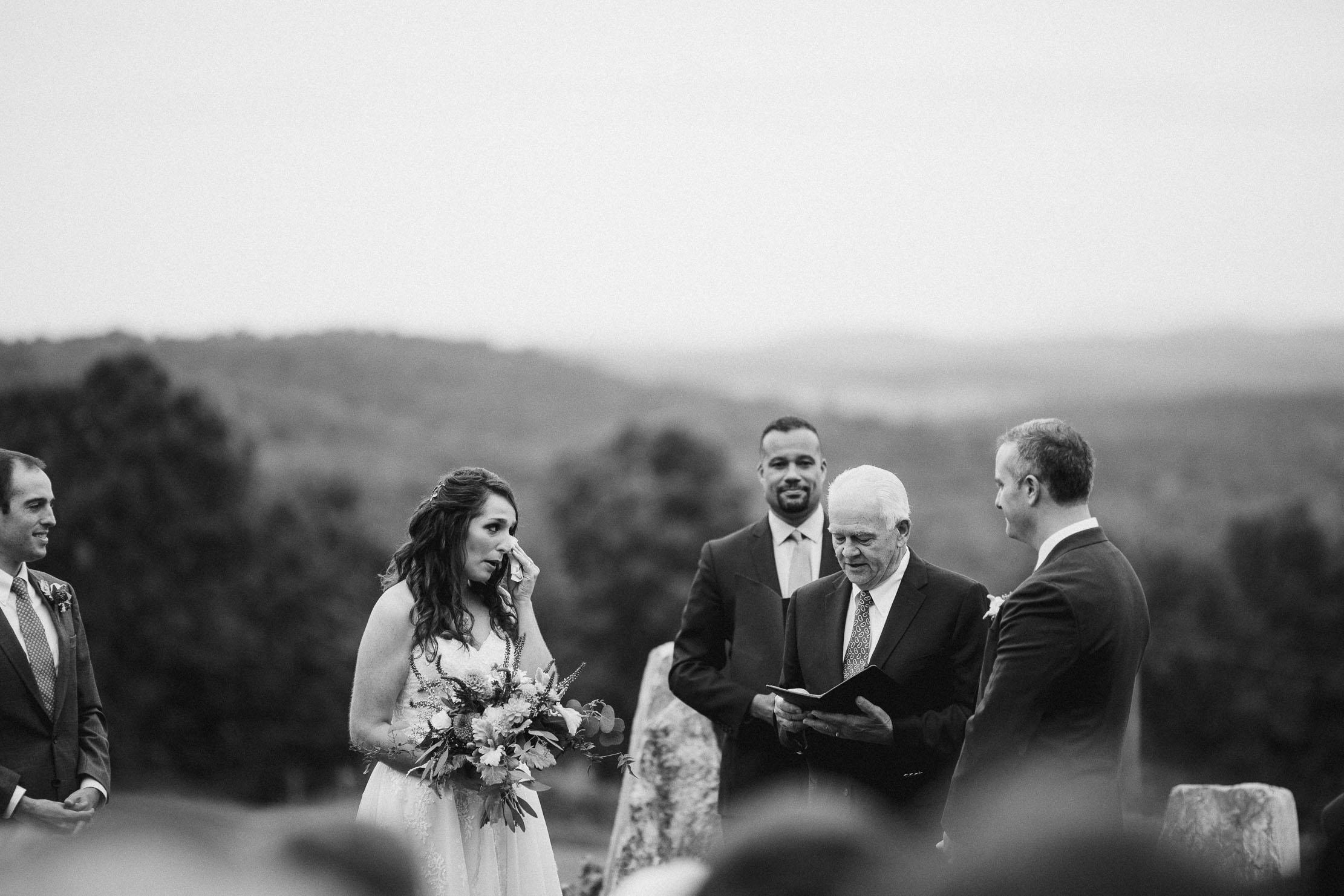 Wings-Castle-Millbrook-NY-Upstate-Wedding-Photographer-1090.jpg