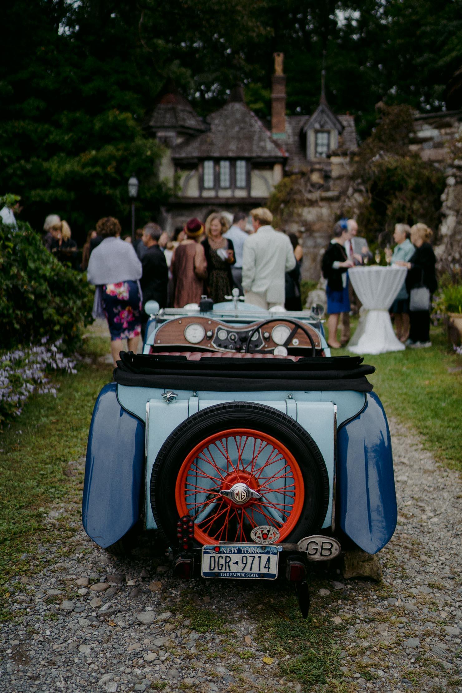 Wings-Castle-Millbrook-NY-Upstate-Wedding-Photographer-1099.jpg