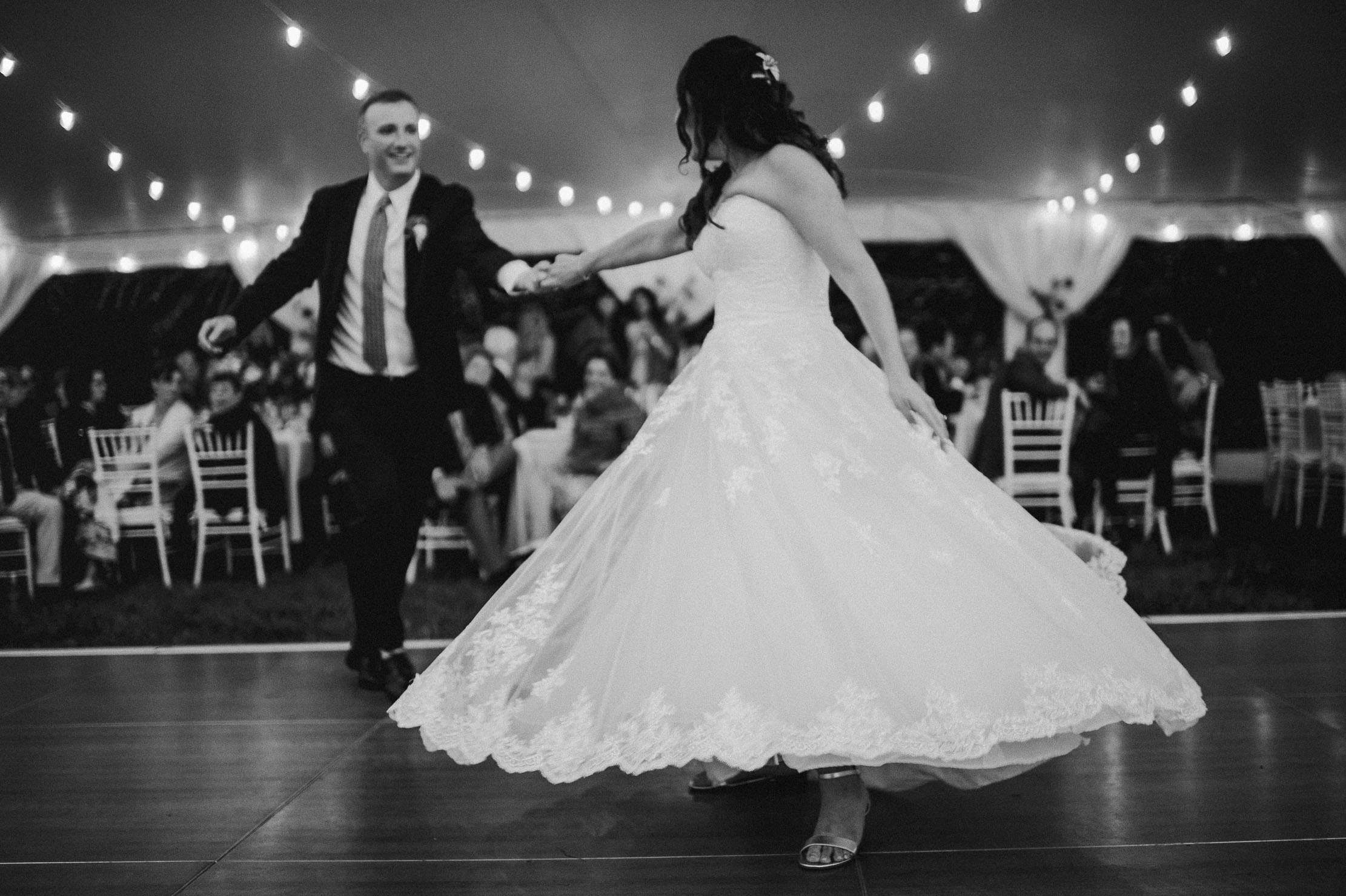 Wings-Castle-Millbrook-NY-Upstate-Wedding-Photographer-1144.jpg