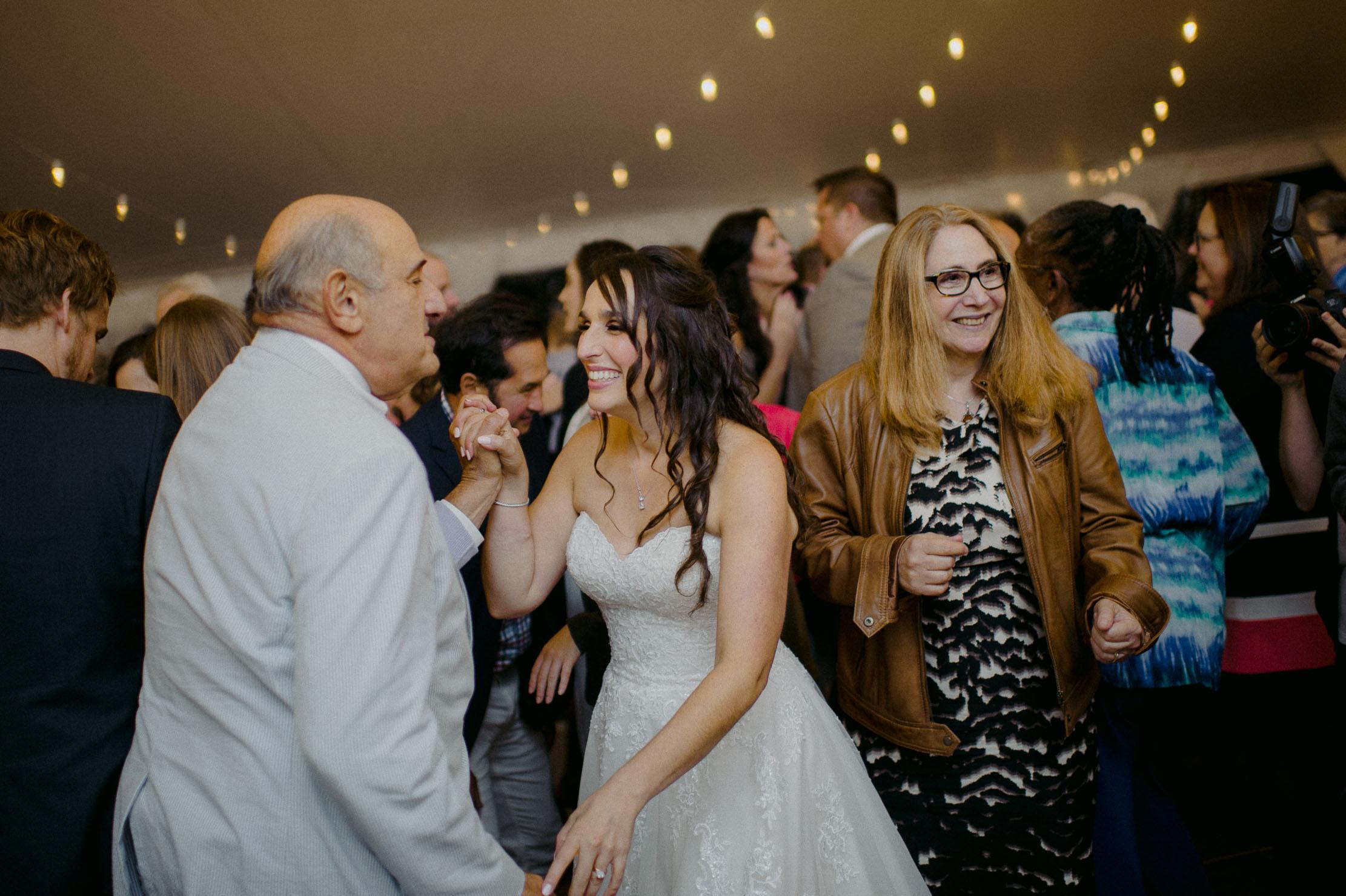 Wings-Castle-Millbrook-NY-Upstate-Wedding-Photographer-1149.jpg