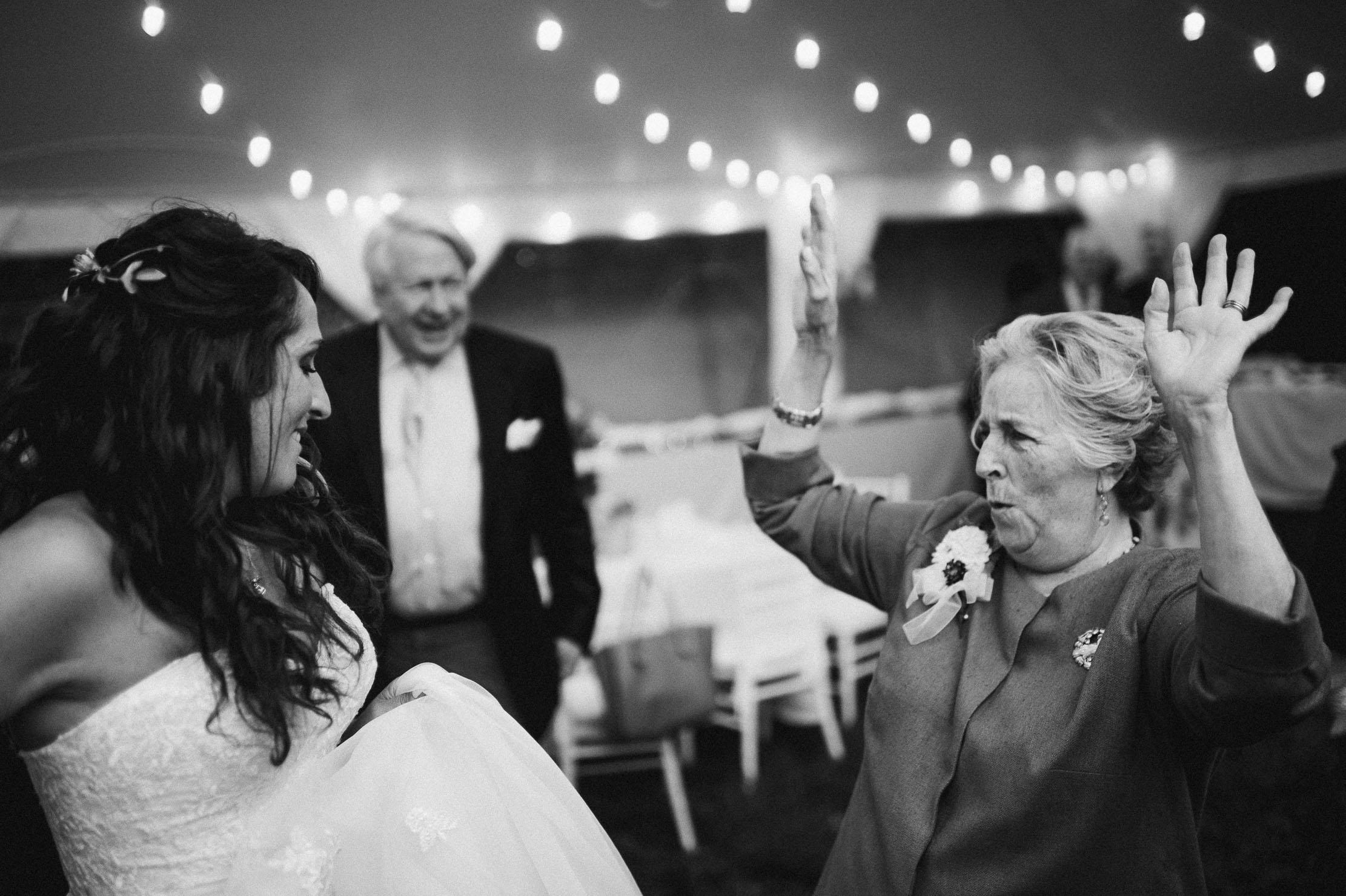 Wings-Castle-Millbrook-NY-Upstate-Wedding-Photographer-1161.jpg
