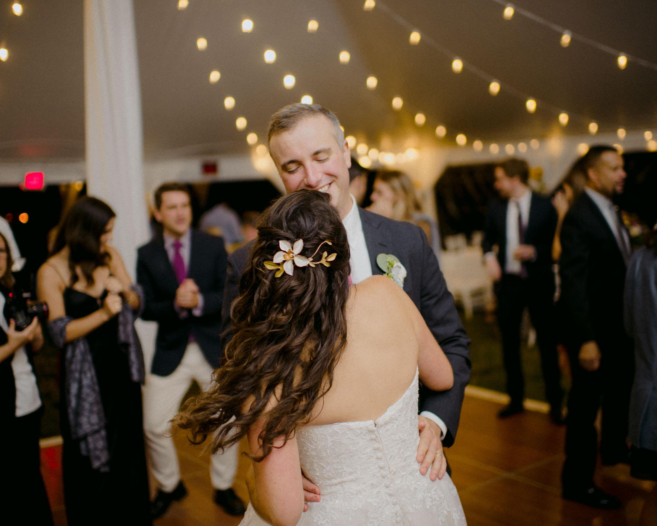 Wings-Castle-Millbrook-NY-Upstate-Wedding-Photographer-1164.jpg