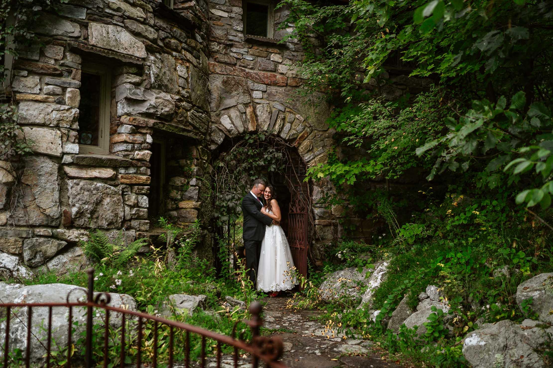 Wings-Castle-Millbrook-NY-Upstate-Wedding-Photographer-1103.jpg