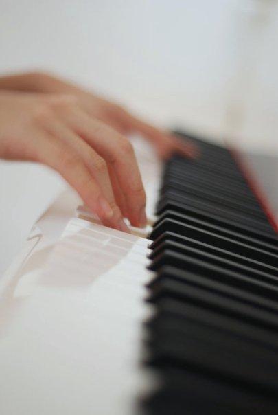 I play classical piano.