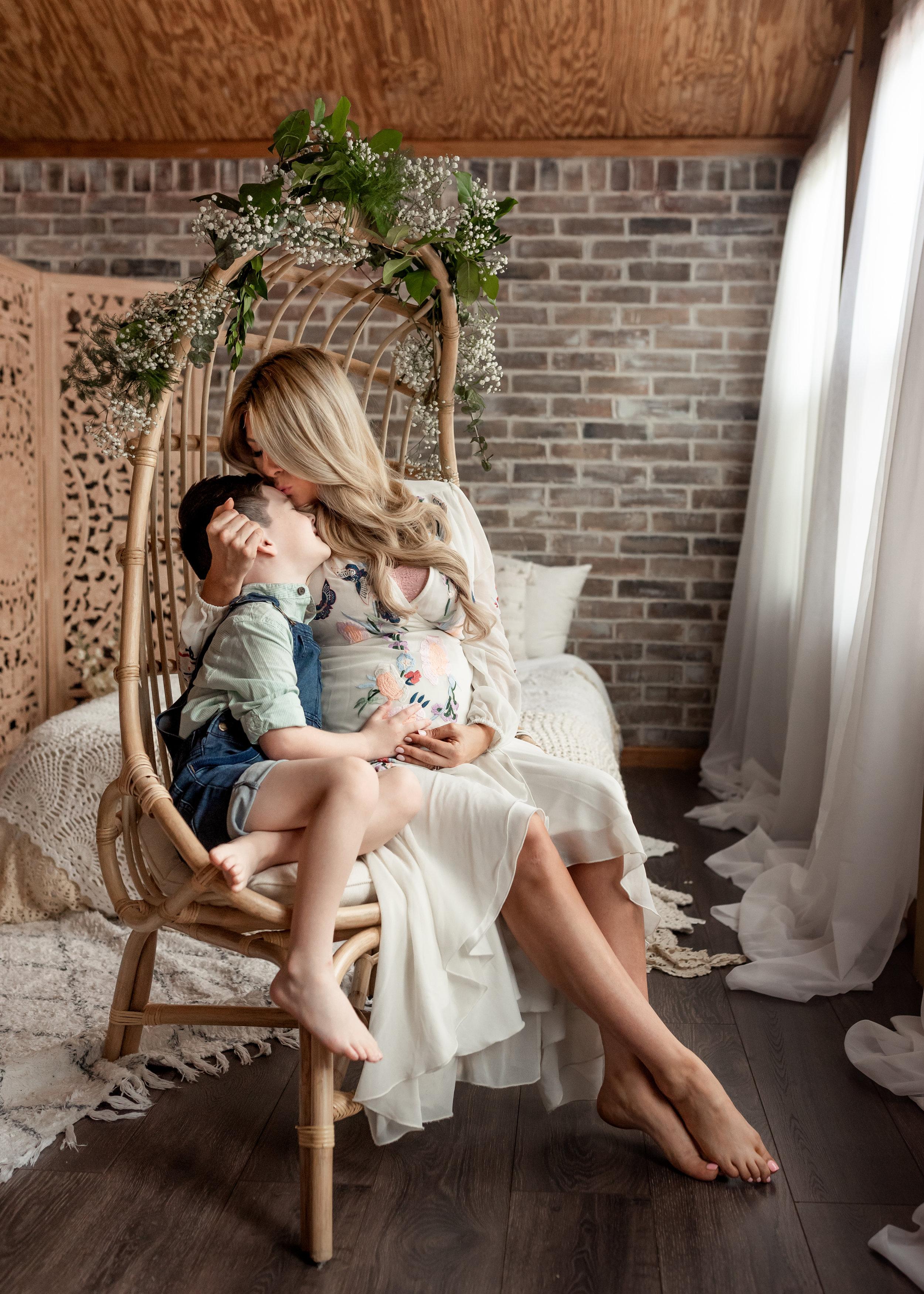 katy-tx-motherhood-photographer-houston-mommy-me-session-studio.jpg