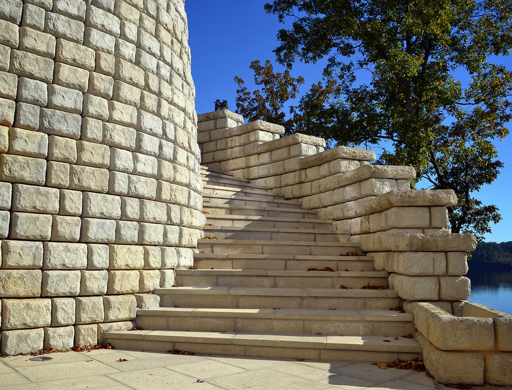 Redi-Rock® Wall Systems -