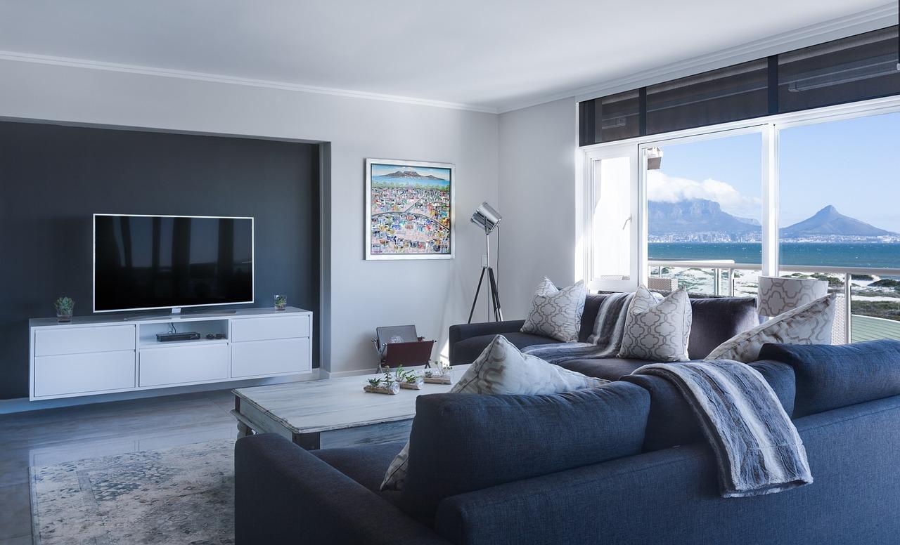 TM and NH modern-minimalist-lounge-3100785_1280.jpg