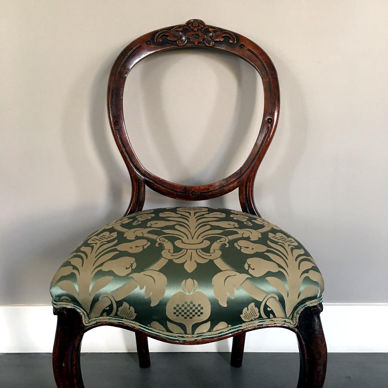 antiquechair1.jpg