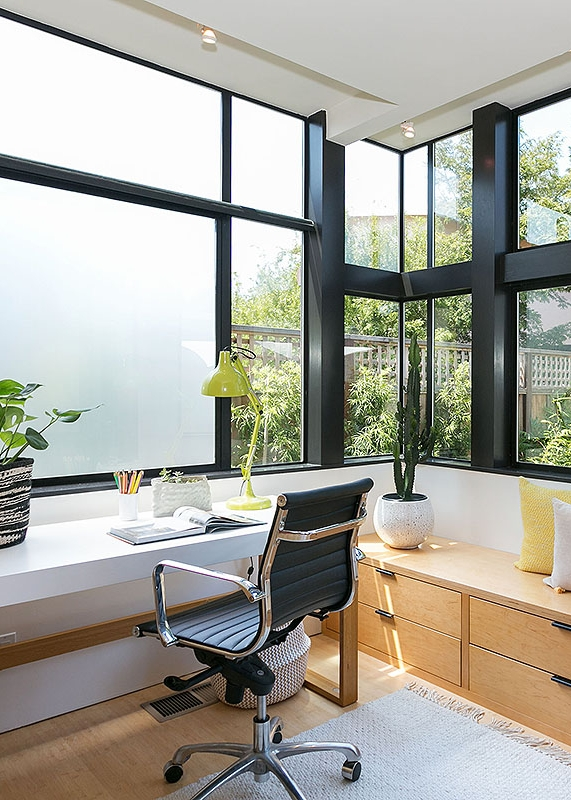 THE ULTIMATE CORNER OFFICE