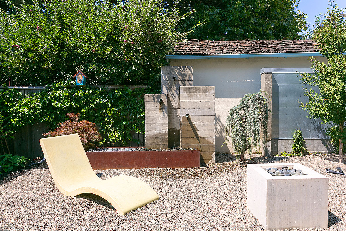 48 Fountain3.jpg