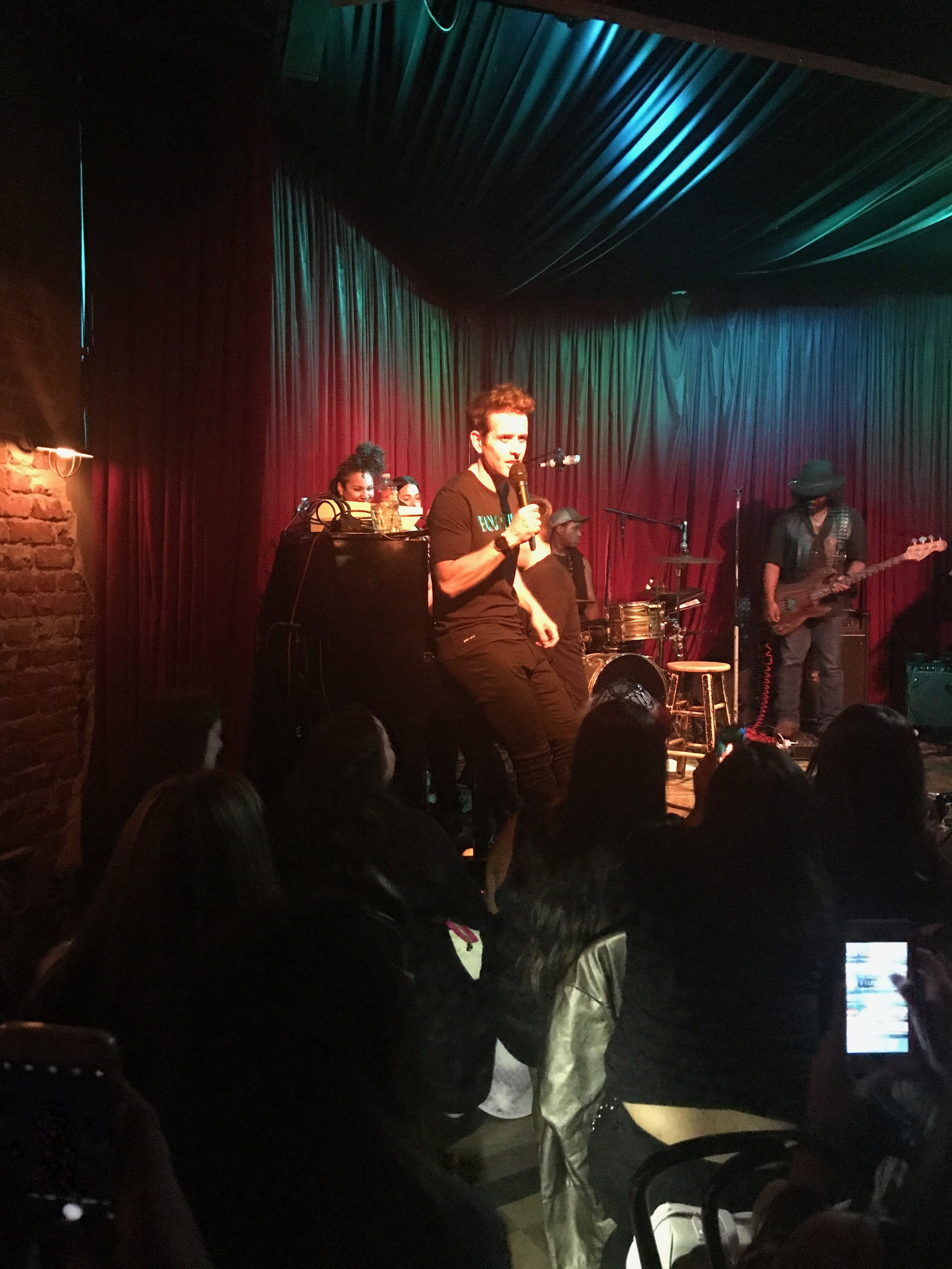 Not sure what song this is, but Joey looks AMAZING! - Joey McIntyre Hollywood Nights at the Hotel Cafe