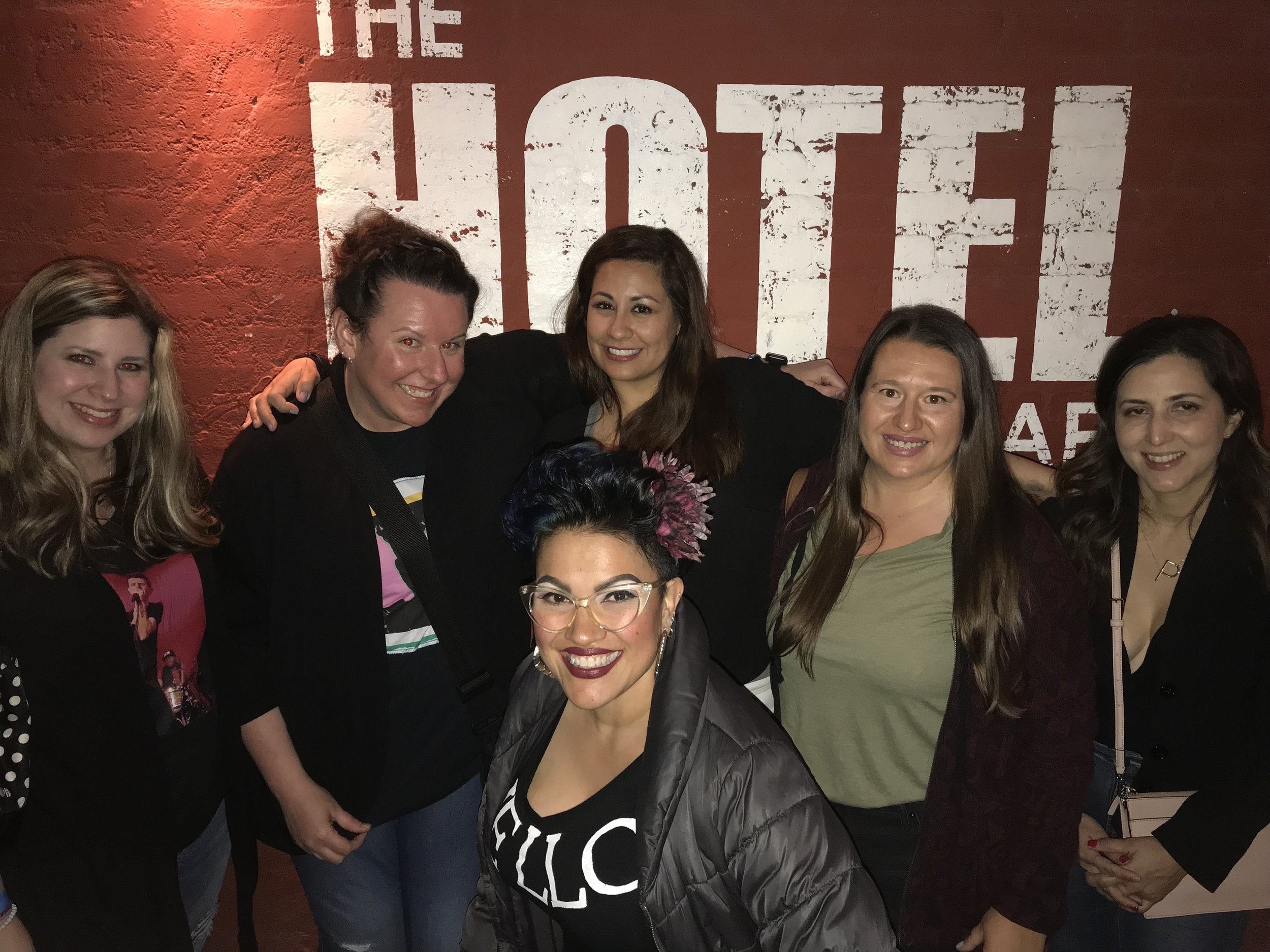 End of the night group pic - Kristine, Nikki, Jenny, Mandy, Patty, Charlene - Standing outside of The Hotel Cafe - Joey McIntyre - Hollywood Nights (Photo by Mandy)