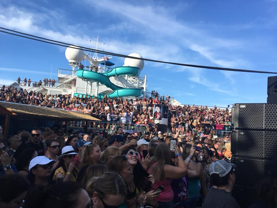 Crazy crowded for the Sail Away party