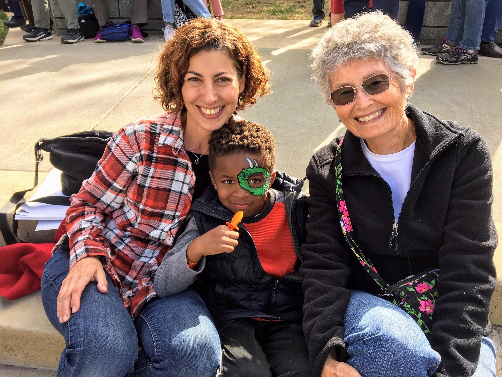 Kym, Eli and Evelyn Ellis.jpg