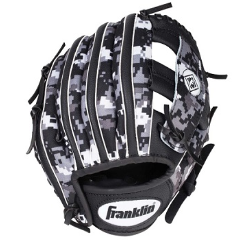 FEATURES  Franklin's Performance DIGITEK series is a superiorly flexible, multi-functional glove with an athletic fit, feel, and look. With a durable leather heel patch and a touch of digital camo flair, you can be sure to count on this glove for game-time performance.  Digitally-etched microfiber palm for superior grip  Top grade genuine leather heel patch  Tri-Curve® technology provides for a perfect fit