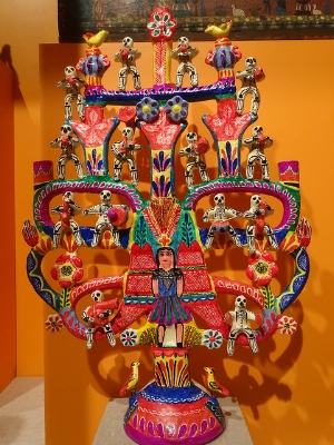 A Day of the Dead Tree of Life by Francisco Flores on display at the National Museum of Mexican Art. February 2017. Photograph taken by Adam Jones. (flickr.com/photos/adam_jones/32597461730)