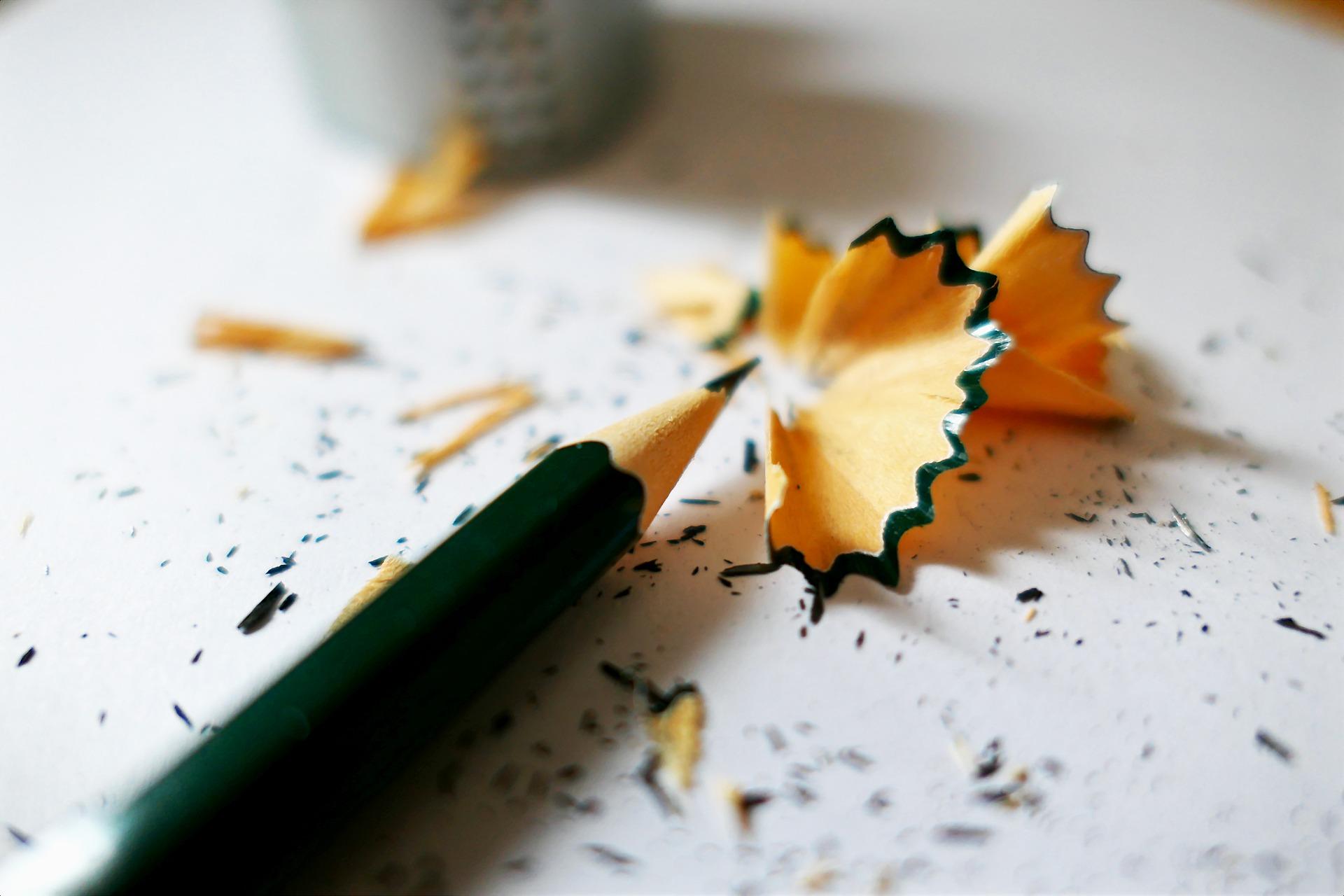 pencil_sharp-drop-2086417_1920.jpg