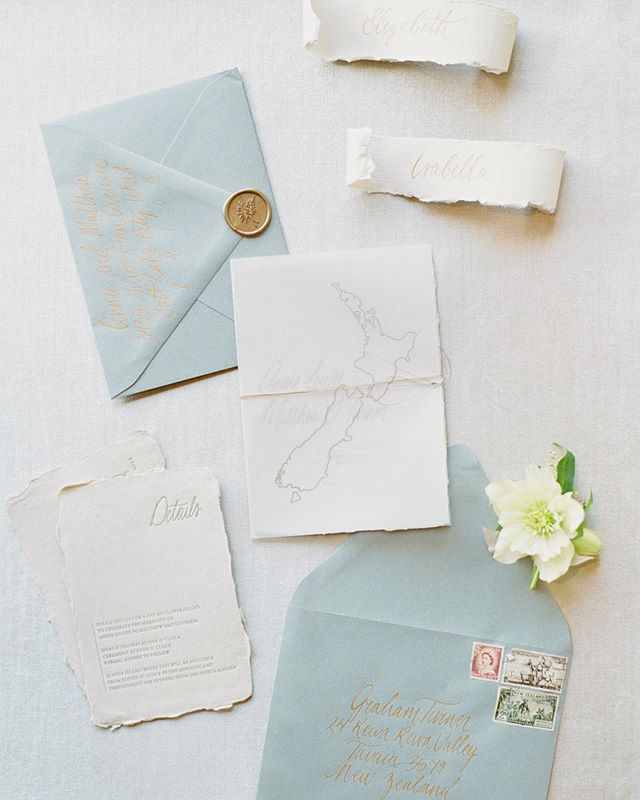 A favorite invitation suite from this past season✨ This incredible bride became a sweet friend as we bonded over our love for neutral tones and the chances that us two west coast girls somehow married New Zealand kiwis 🥝😂 •  I've joked about this before but believe me, it was reeeealllly hard to not just show up at her wedding in New Zealand ready to celebrate this stunning couple's big day! 🇳🇿🥳 • Featuring my Silver Fern wax seal available exclusively through @artisaire. Photographed by @kateignatowskiphoto on @locustcollection