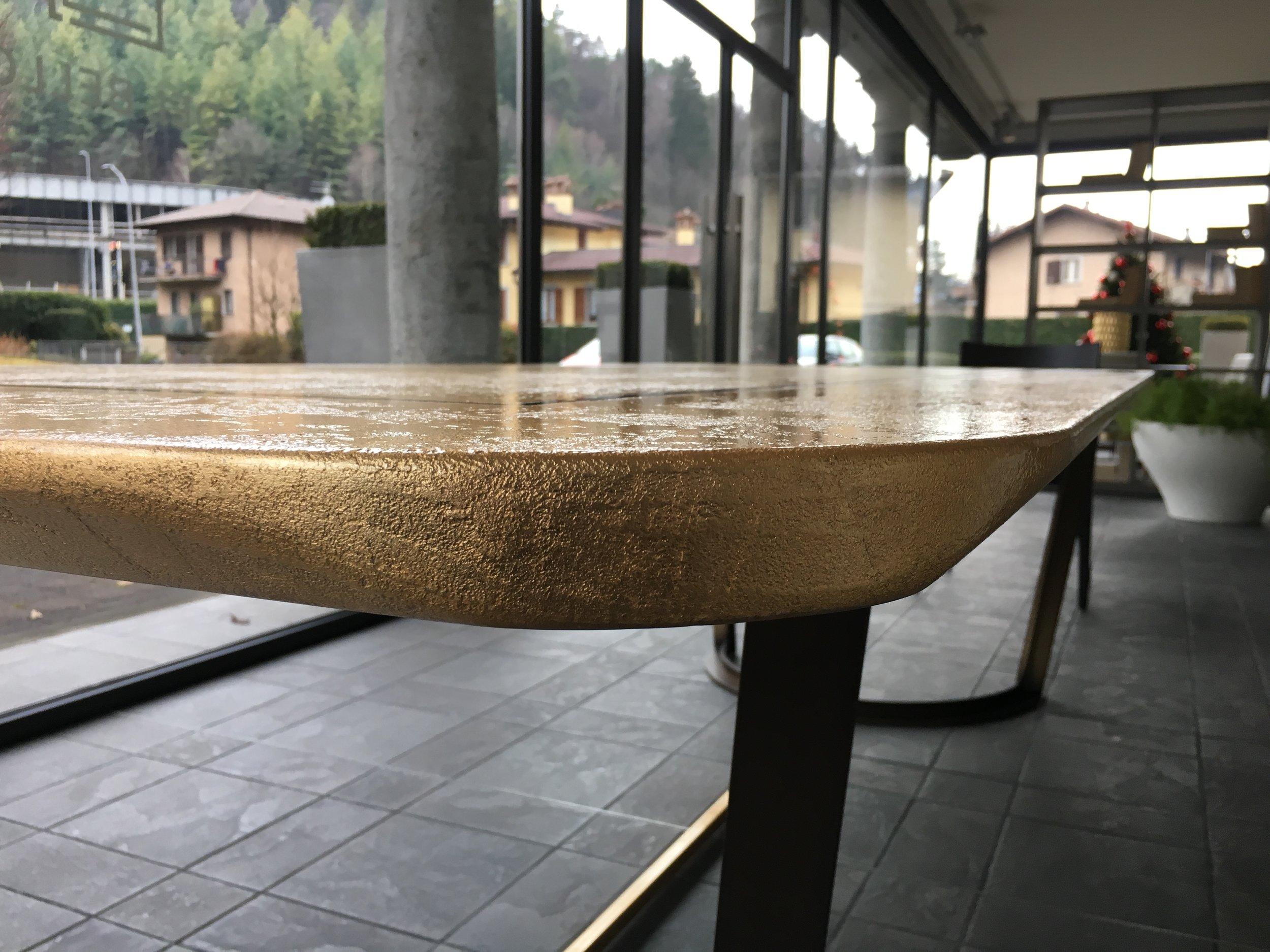 Tavolo Foglia Oro - Angolo 2.JPG