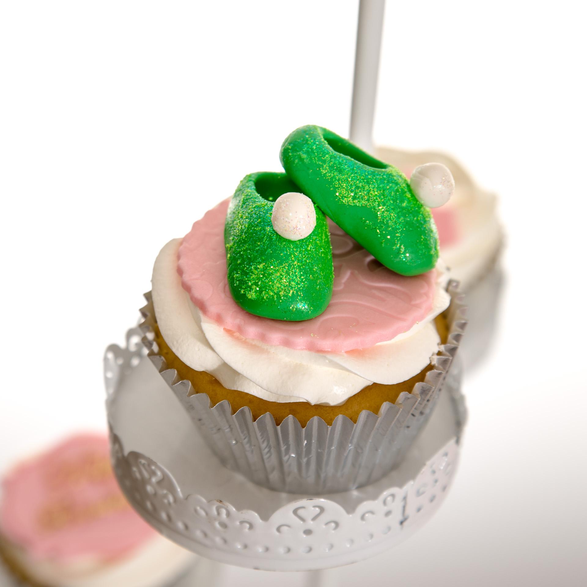 Tinkerbell-Slipper-cupcakes.jpg