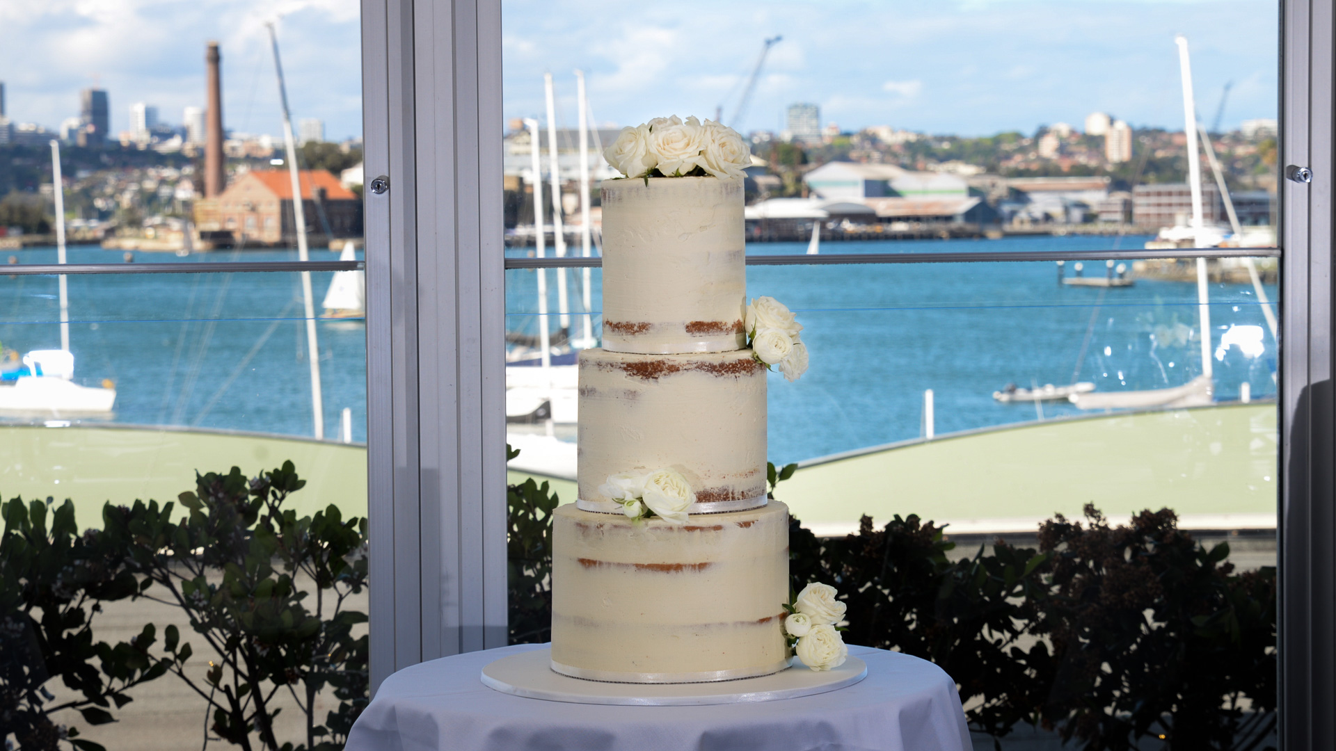 Semi-Scraped-Naked-Wedding-Cake.jpg