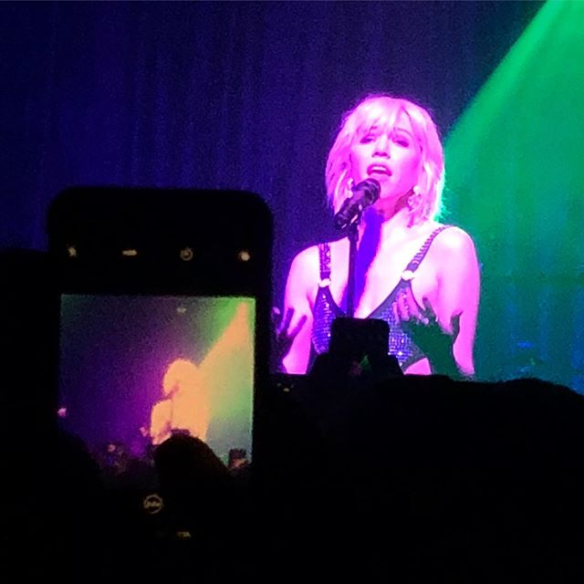 Carly. Rae. Jepson. #incredible #xoyolondon thanks for that @misterdexyk @carlyraejepsen