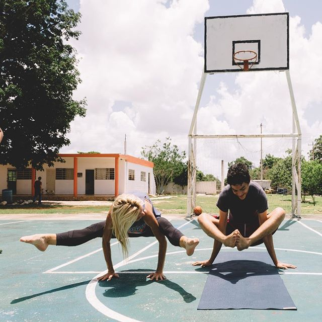Come fly with me!! 16 year old Andres, an amazing your man from the CRIA Children's Home in Merida, Mexico was really interested in taking his yoga practice & arm balances to the next level. 🏀🙏🏼 📸: @rickyxwillis