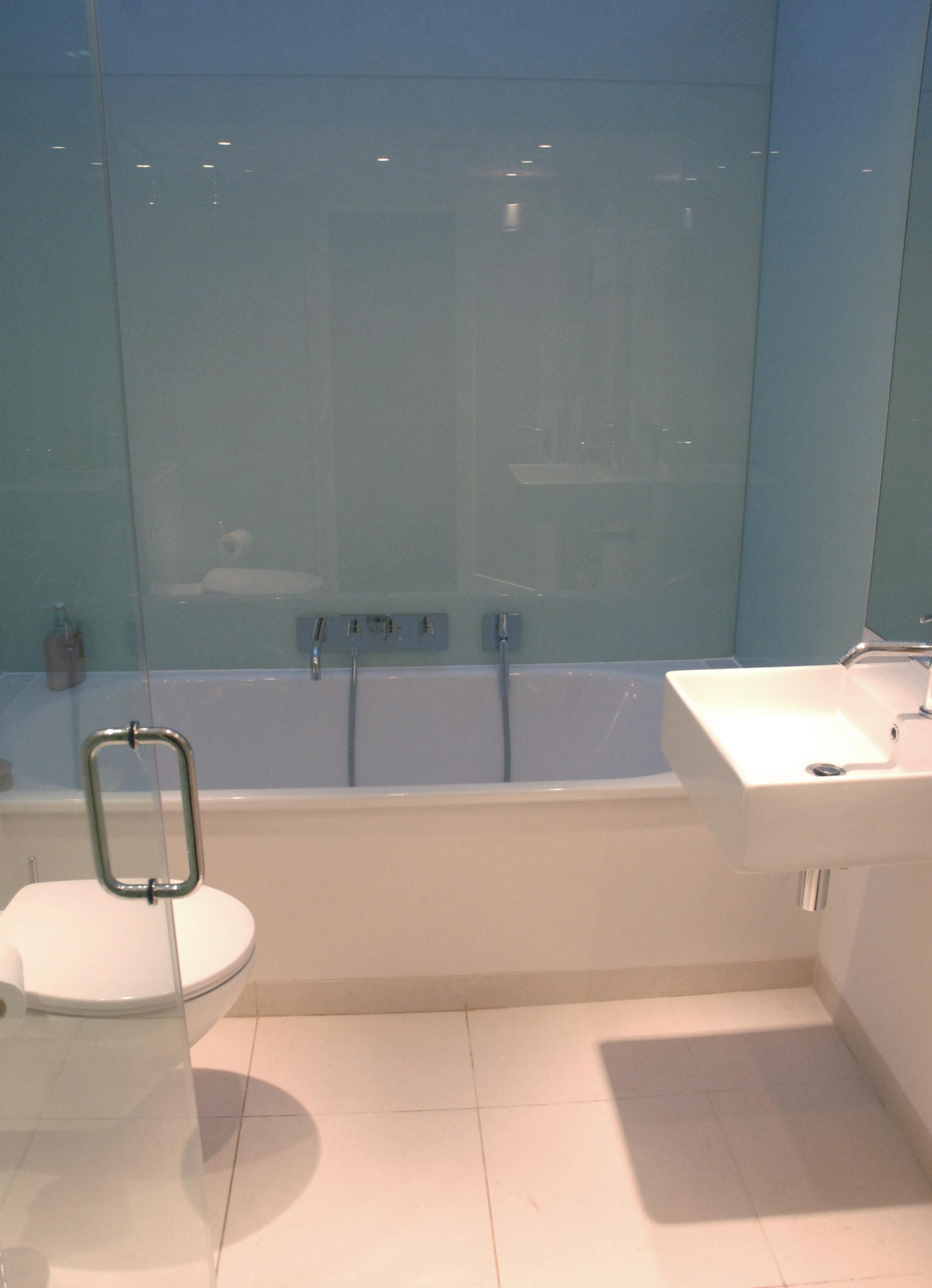 1f bath-main.jpg