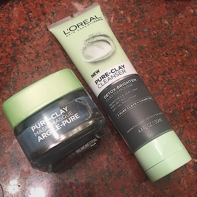 My combo/oily skin has been loving this clay cleanser from @LorealSkin! The clay and charcoal sucks out impurities yet doesn't dry out my skin like other masks. I️ partnered with @influenster and received this product #complimentary for testing purposes. ➖➖➖⠀ #glamgamestrong💪⠀ ⠀ #glamgamestrong #glamsquad #fiercesociety #pureclaymyway #influencer #bblogger #loreal #acne #skin #facemask #skincare #makeupjunkie #review #skincareroutine #muafollowtrain #skincareaddict #beautycommunity #voxbox