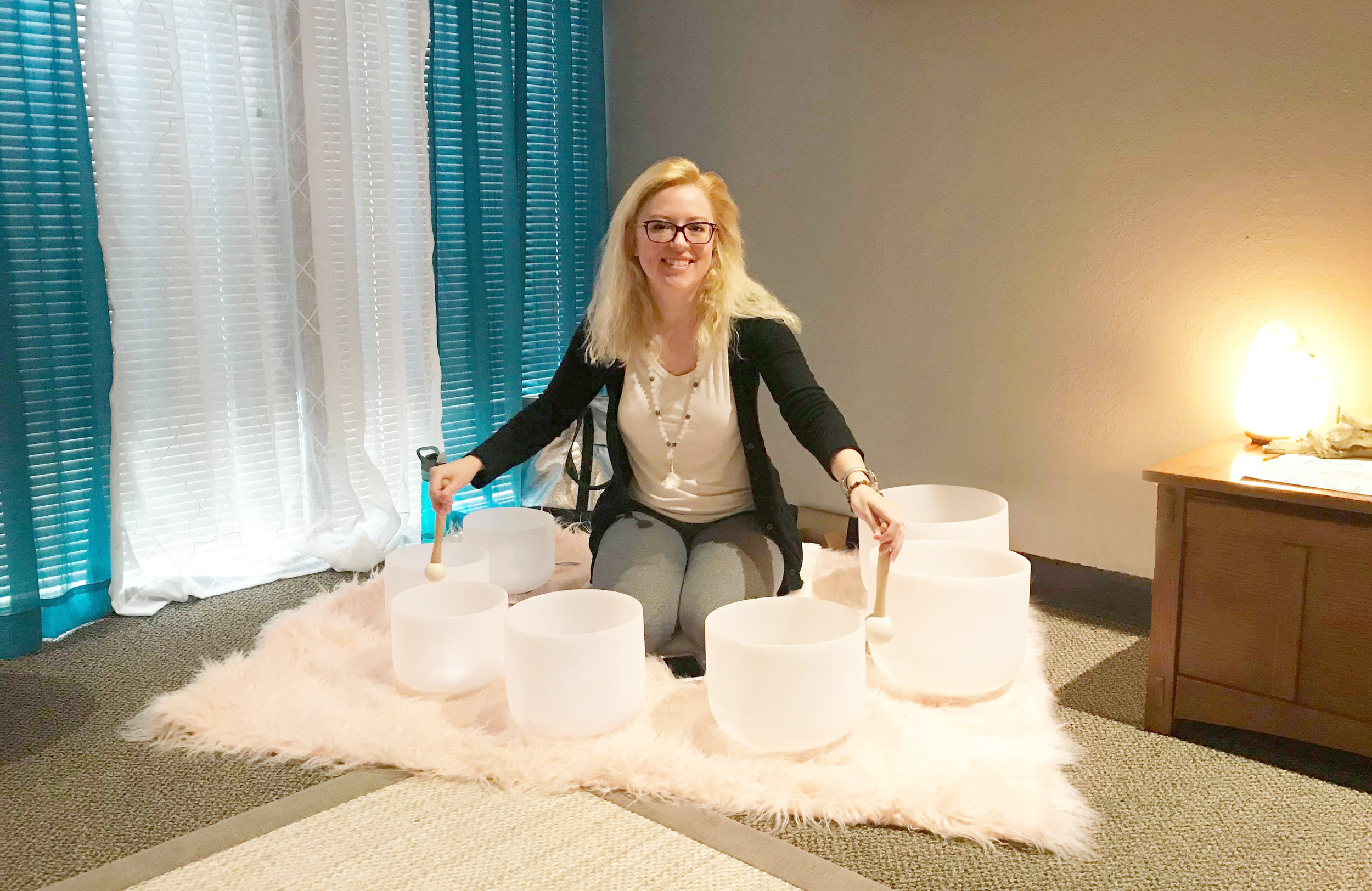 Sound Specialist Shelby Melissa at a Group Sound Immersion Event at Transcend Wellness