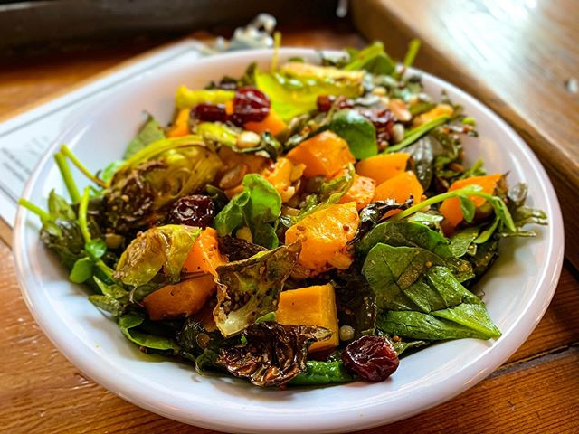 Fall in a bowl 🍁🍂Roasted Butternut Squash Salad with Brussels Sprouts and Dried Cranberries new special on the blackboard! @mingtsai @tin_can80 #roastedveggies #brusselsprouts #cranberries #butternutsquash