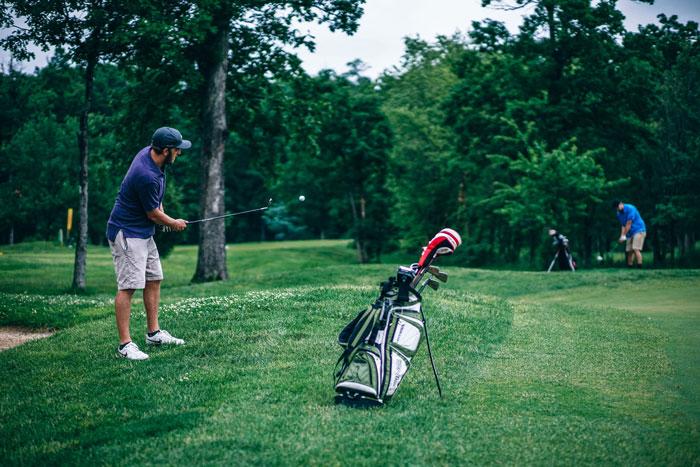 adult-golf-golf-ball-424758.jpg