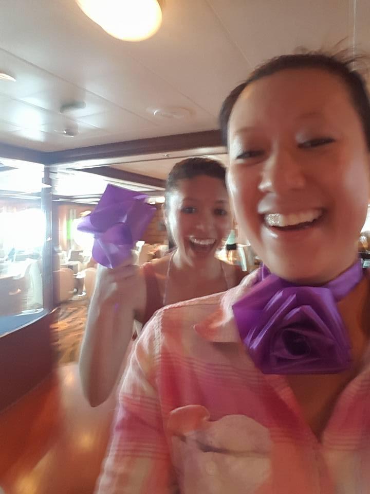 Ribbon-chic cruise wear.