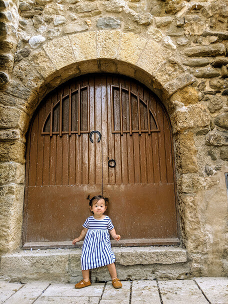 If you are into pretty door shots, Besalu will not disappoint.