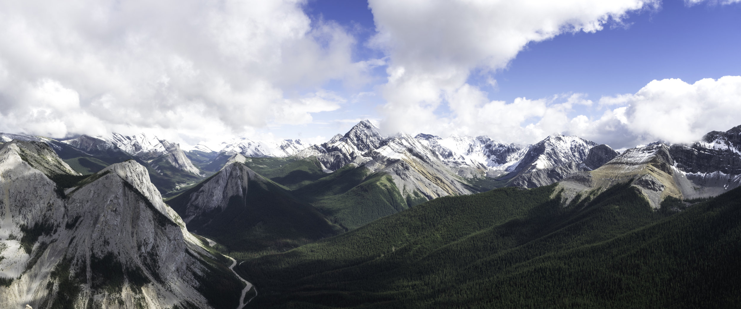 Jasper Mountains Pano.jpg