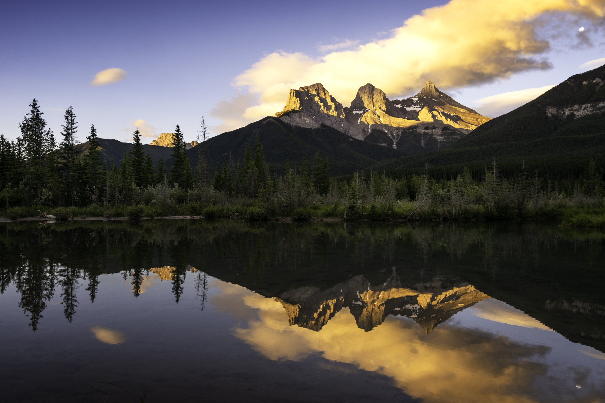 Three Sisters Sunrise.jpg
