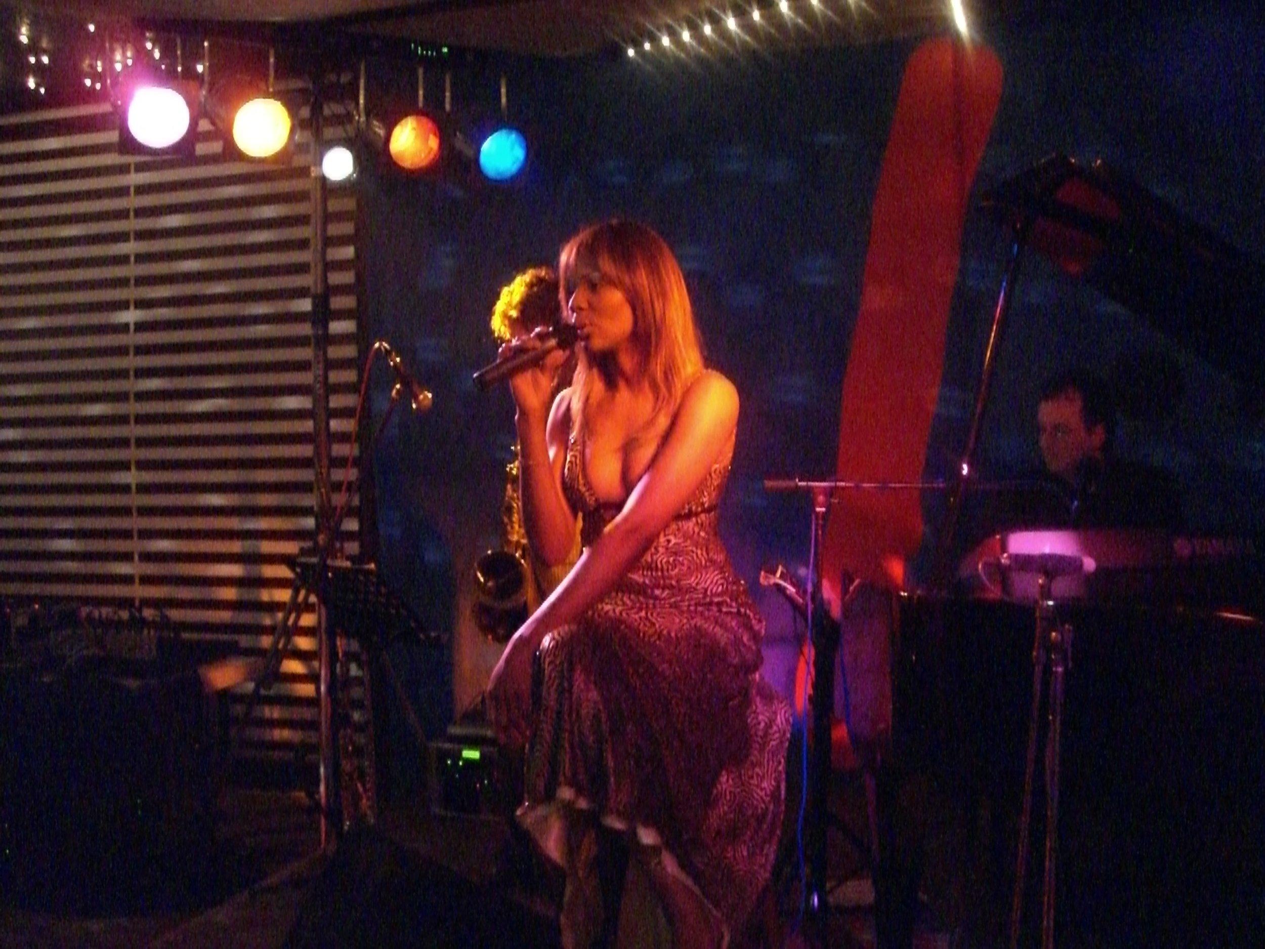 Layori-on stage in CHRISTELundSINN.jpg