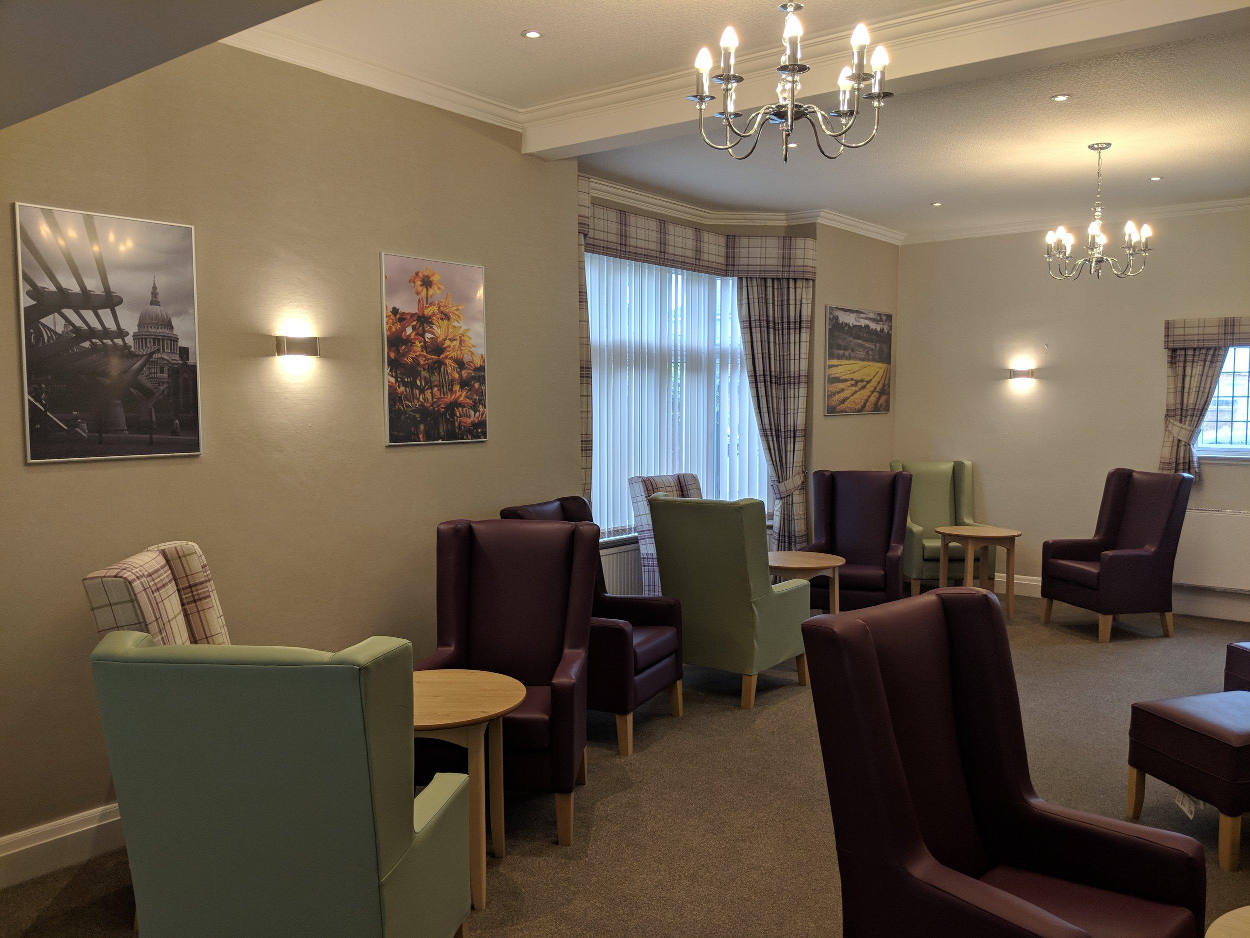 Burton Oaks Lounge.jpg
