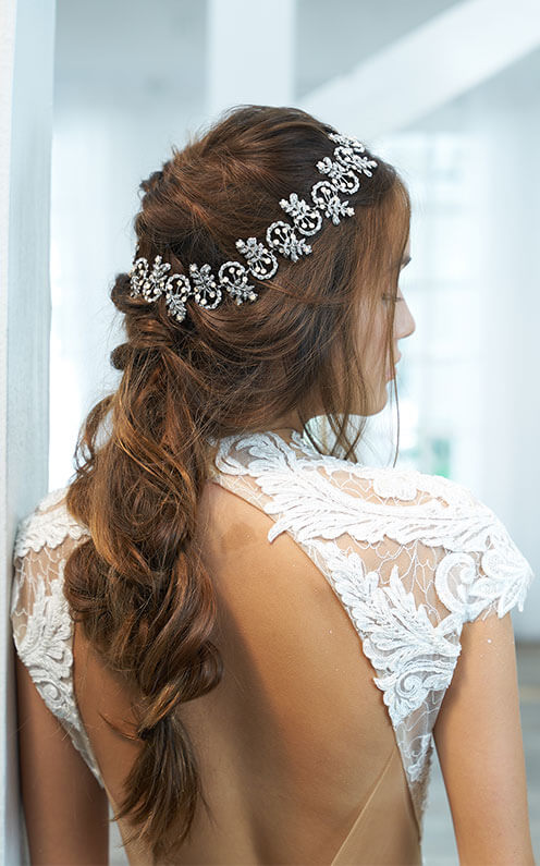 bold and unique wedding hair accessories.jpg