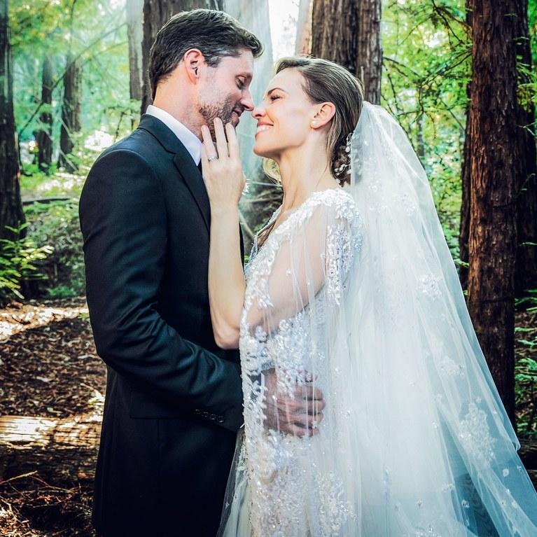 Hillary swank wedding gown celebrity wedding 2018