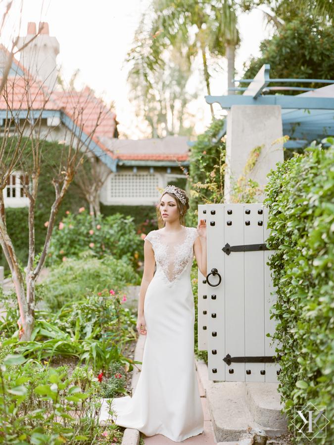 sydonie mansion outside wedding venue ines di santo gown