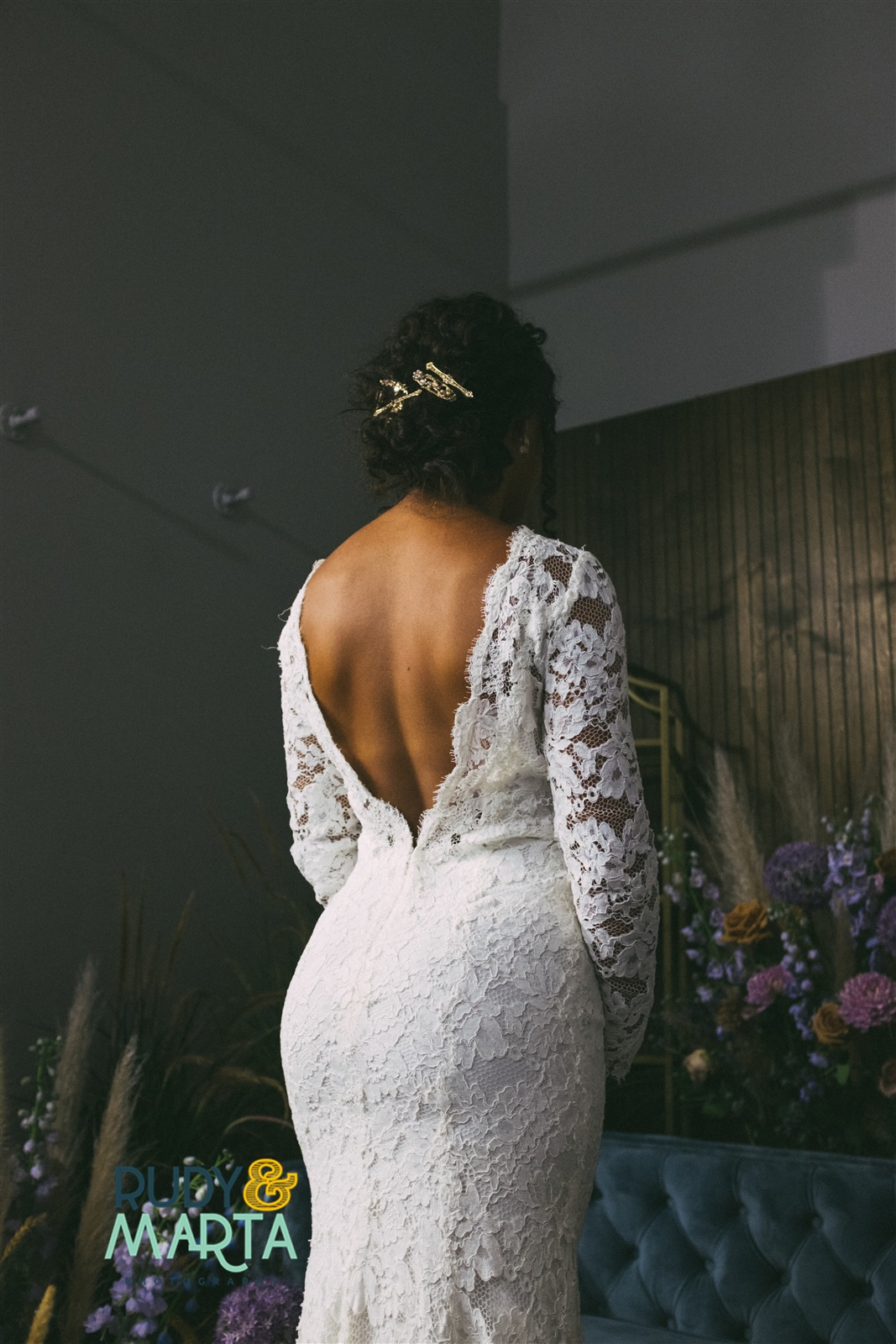 Oscar de la renta low back lace wedding gown