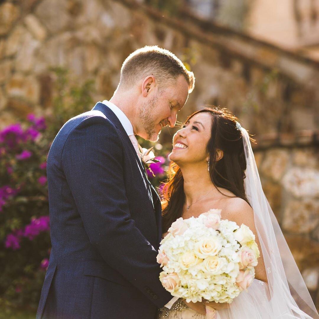 white roses at bellla collina wedding