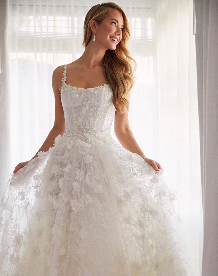 Our Top Tips For An Engaged Pageant Girl And How To Shop For A Wedding Dress