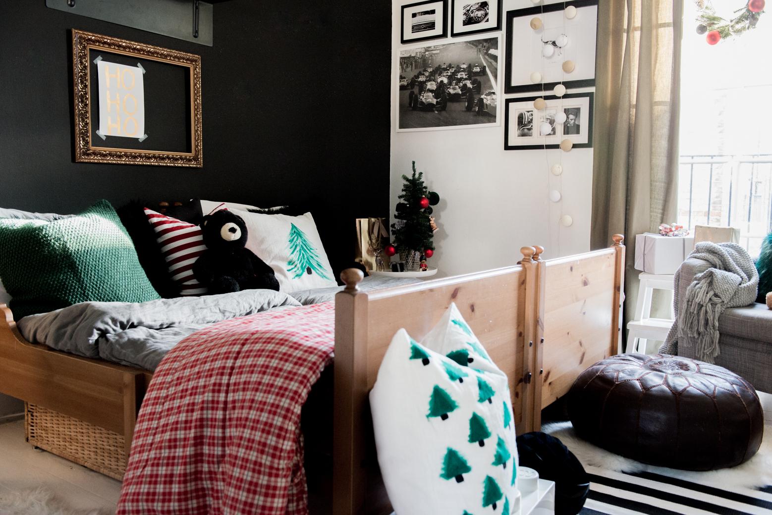 Valentina-Fussell-Boys-Christmas-Bedroom-21.jpg