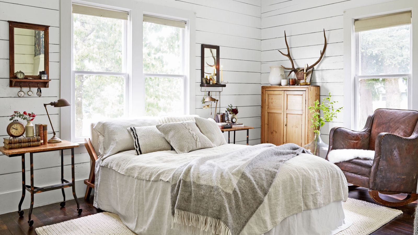 #1 Keep It Soothing - Use neutrals to seamlessly blend eras