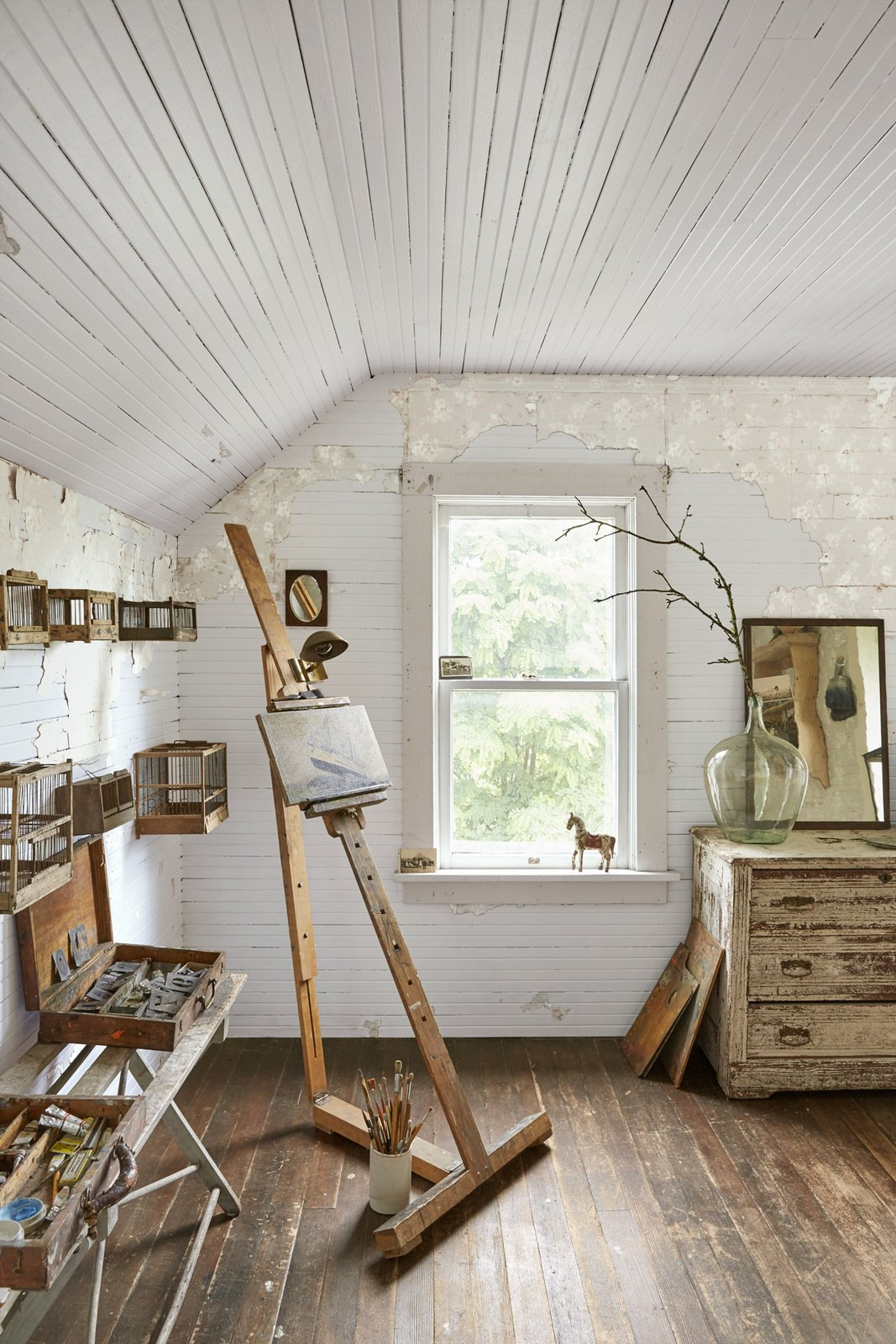#13 Keep the peeling wallpaper. - It gives texture and character to a space.
