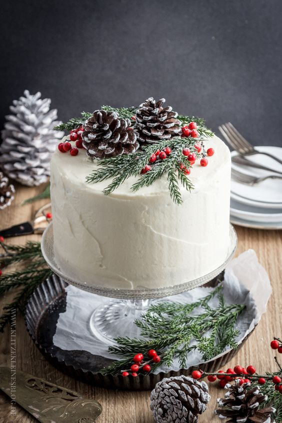 Holly Berry Cake